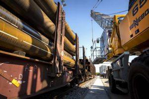 Neuer, eigener Bahnhof für den Transport von Rohren und Stahl bei Solines