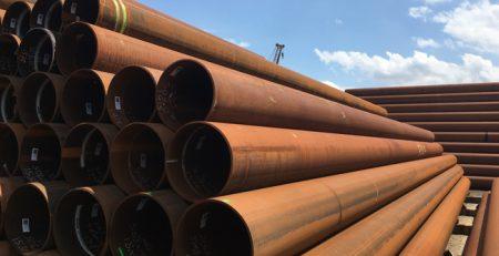 70 Tonnen mit Stahlrohren